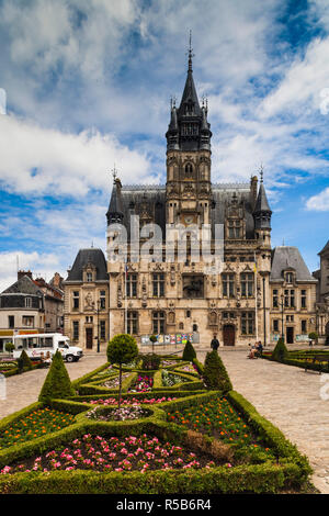 France, Picardy Region, Oise Department, Compiegne, town hall - Stock Photo