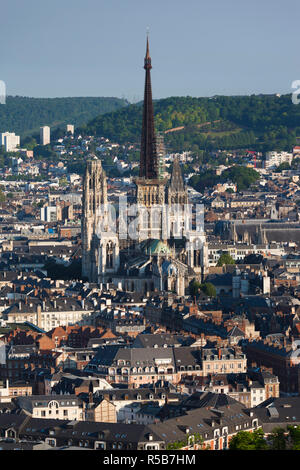 France, Normandy Region, Seine-Maritime Department, Rouen, elevated city view with Cathedral - Stock Photo