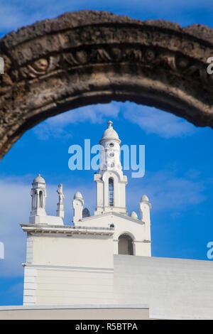 Dominican Republic, Santa Domingo, Colonial zone, Ruinas del Hospital San Nicolas de Bari and Church of La Altagracia. - Stock Photo