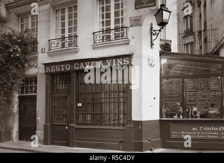 Cafe/Brasserie, Ile de la Cite, Paris, France - Stock Photo