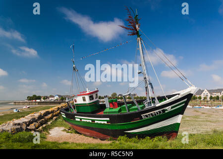 France, Picardy Region, Somme Department, Le Crotoy, Somme Bay resort town, fishing boats - Stock Photo