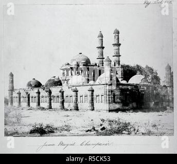 Jami Masjid. Archaeological Survey of India Collections: India. c. 1869. General view from the north-west of the Jami Masjid, Champaner.  Image taken from Archaeological Survey of India Collections: India Office Series (volume 7: Western India).  Originally published/produced in c. 1869. . Source: OIOC Photo 1000/7(820),. - Stock Photo