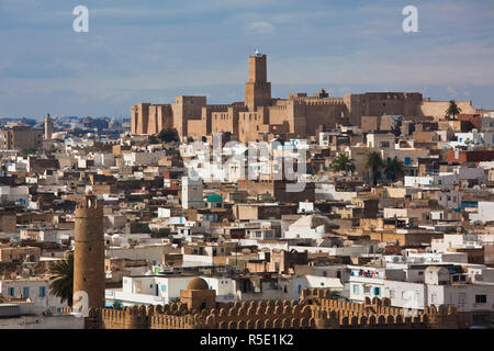 Tunisia, Tunisian Central Coast, Sousse, elevated view over the Medina towards the Kasbah and Sousse Archeological Museum - Stock Photo