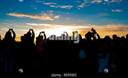 UK, England, Wiltshire, Stonehenge, Summer Solstice Celebrations, Sunrise - Stock Photo