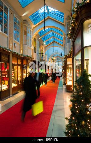 UK, England, London, Piccadilly, Burlington Arcade at Christmas - Stock Photo