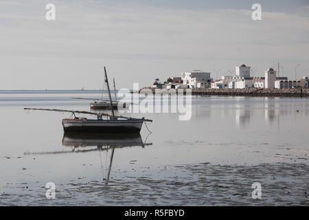 Tunisia, Tunisian Central Coast, Mahres, coastal fishing village, morning - Stock Photo