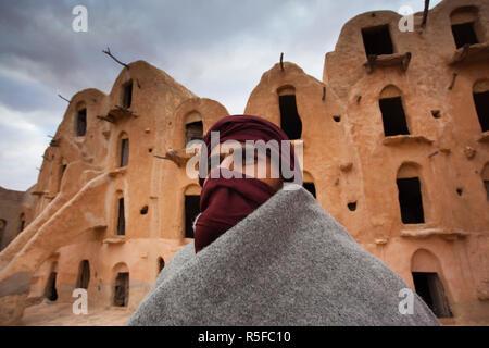 Tunisia, Ksour Area, Ksar Ouled Soltane, middle-aged Tunisian man, (MR) - Stock Photo