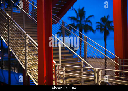 USA, California, Southern California, Los Angeles, Los Angeles County Museum of Art, LACMA, Broad Contemporary Art Museum, walkway - Stock Photo