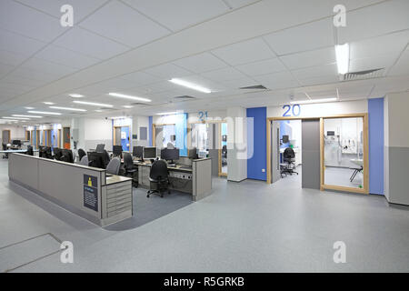 Majors treatment area in the new Emergency Department at Croydon University Hospital, opened Dec 2018 Shows central staff base and treatment rooms. - Stock Photo
