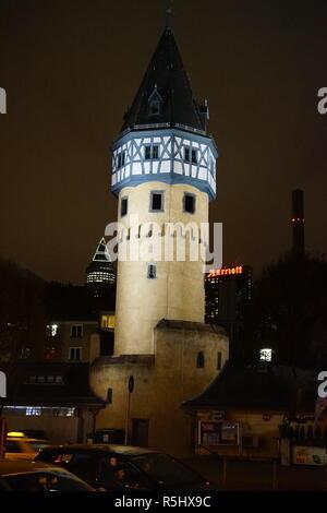 Bockenheimer Warte bei Nacht, Frankfurt am Main, Deutschland - Stock Photo