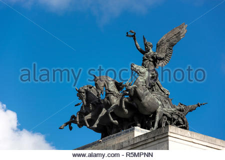 Monument to Wellington in the Middle of Hyde Park Corner Roundabout - Stock Photo
