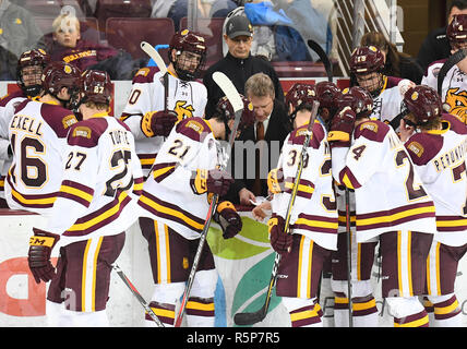 December 1, 2018 Minnesota Duluth head coach Scott Sandelin talks to his players during a time out in a NCAA men's ice hockey game between the University of North Dakota Fighting Hawks and the Minnesota Duluth Bulldogs at Amsoil Arena in Duluth, MN. North Dakota won 2-1. Photo by Russell Hons/CSM - Stock Photo