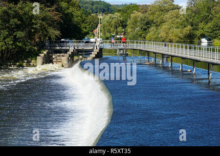 Hambledon weir at Hambledon Lock, Berkshire, England United Kingdom UK - Stock Photo