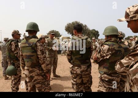 A United Nations Armed Convoy On The Road Between Dungu And Faradje Stock Photo Alamy