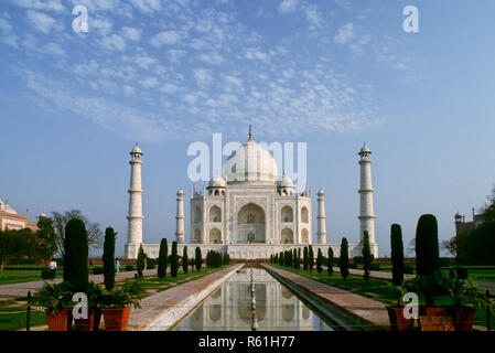 Taj Mahal (1631-1653 A .D.), Unesco World Heritage Site, Agra, Uttar Pradesh, India - Stock Photo