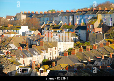 Portland, Dorset, UK. 4th December 2018. Fortuneswell is bathed in early-morning sunshine Credit: stuart fretwell/Alamy Live News - Stock Photo