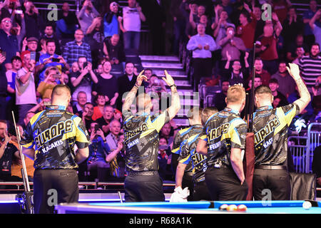 London, UK. 4th Dec, 2018. The European cheering the crowds during The Partypoker Mosconi Cup 2018: on Day 1 event at Alexandra Palace on Tuesday, 04 December 2018. LONDON, ENGLAND. (Editorial use only, license required for commercial use. No use in betting, games or a single club/league/player publications.) Credit: Taka Wu/Alamy Live News - Stock Photo