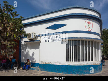 Clinic in an old portuguese colonial building, Namibe Province, Namibe, Angola - Stock Photo