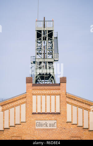 Remmlingen, Germany. 05th Dec, 2018. The winding tower of the Asse mine. It will be at least until 2033 before the first nuclear waste is removed from the Asse. Credit: Ole Spata/dpa/Alamy Live News - Stock Photo