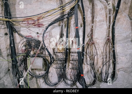 Remmlingen, Germany. 05th Dec, 2018. Cable in the Asse mine. It will be at least until 2033 before the first nuclear waste is removed from the Asse. Credit: Ole Spata/dpa/Alamy Live News - Stock Photo