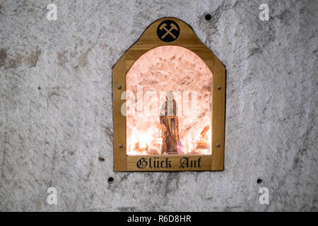 Remmlingen, Germany. 05th Dec, 2018. The patron saint of the miners, Barbara von Nikomedien, stands in the Asse mine. It will be at least until 2033 before the first nuclear waste is removed from the Asse. Credit: Ole Spata/dpa/Alamy Live News - Stock Photo