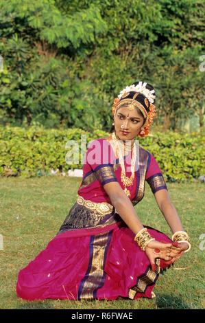 Kuchipudi dance, woman performing classical dance of india MR#777E - Stock Photo