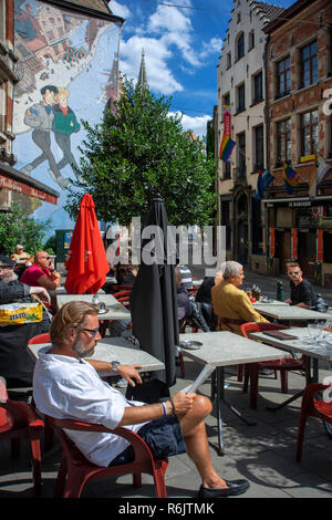 Street Cartoon Art and restaurants in city center, Brussels, Belgium. Broussaille by Franck Pe, mural in Brussels, Belgium - Stock Photo