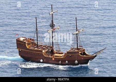 DUBROVNIK, CROATIA - JUNE 13: Pirate ship Tirena on JUNE 13, 2010. Replica of medieval pirate ship Tirena in Dubrovnik, Croatia. - Stock Photo