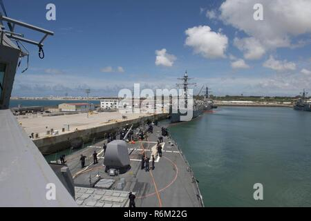 NAVAL STATION ROTA, Spain (May 29, 2017) - The Arleigh Burke-class guided-missile destroyer USS Carney (DDG 64) departs Naval Station Rota, Spain, May 29, 2017. Carney, forward-deployed to Rota, is conducting its third patrol in the U.S. 6th Fleet area of operations in support of U.S. national security interests in Europe. (U.S. Navy photo by Mass Communication Specialist 3rd Class Weston Jones/Released) - Stock Photo
