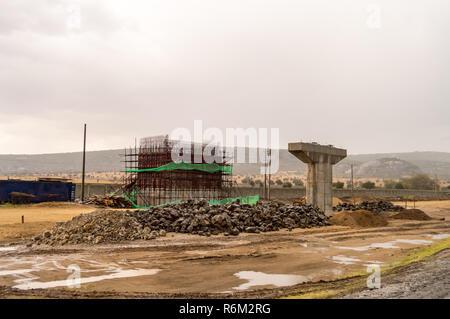 Reinforcement of a bridge pylon of the new road between Nairobi and Mombasa in Kenya, Kenya - Stock Photo