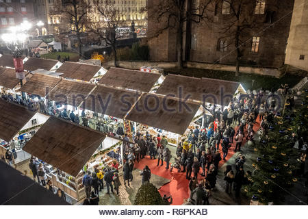 Turin, Italy. 2nd December, 2018. Elevated view of Christmas market in Castello square by night. © Simone Migliaro / Awakening - Stock Photo