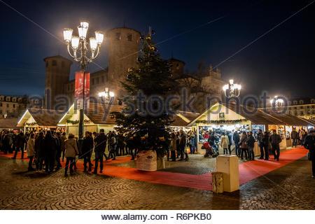 Turin, Italy. 2nd December, 2018. Christmas market and Palazzo Madama by night. © Simone Migliaro / Awakening - Stock Photo