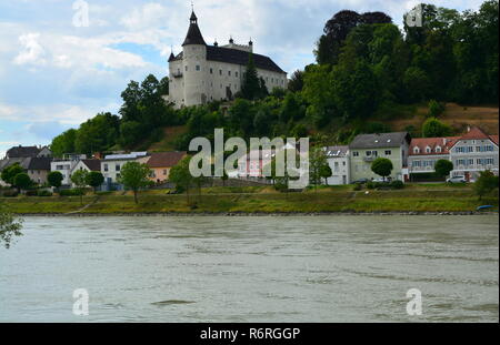ottensheim castle on the danube