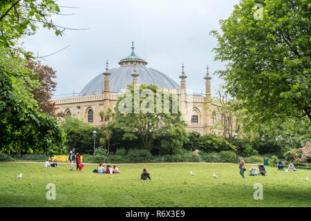 Brighton Royal Pavilion gardens with Brighton Museum and Art Gallery in the background, Brighton, East Sussex, UK - Stock Photo