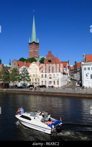View across Obertrave to St. Petri church,  Lübeck, Luebeck, Schleswig-Holstein, Germany, Europe - Stock Photo