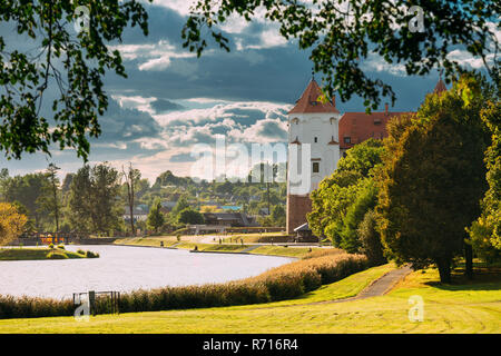 Mir, Belarus. Scenic View Of Castle Complex Mir In Sunny Day. Old Tower. Cultural Monument, UNESCO Heritage. Famous Landmark - Stock Photo