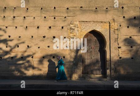 The narrow lanes of Fes el Bali, Morocco - Stock Photo