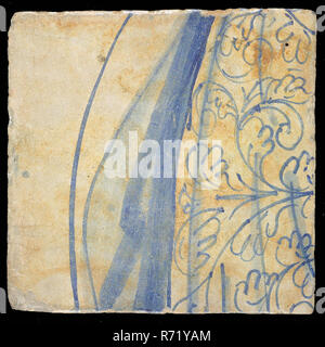 Loose tile from the 'Hoop' tableau with robe in blue, tile picture footage fragment ceramics pottery glaze tin glaze, in shape made baked glazed painted baked Loose tile from tableau with monochrome decor in blue Originating from the tableau 'Hoop' Image is part of the clothing robe of woman; the personification of the hoop Marked on the rear location number: 24 wonen Hope