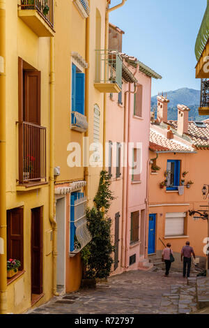 France, Pyrenees Orientales, Cote Vermeille, Collioure, alley with colored houses in the ancient district of Moure // France, Pyrénées-Orientales (66) - Stock Photo