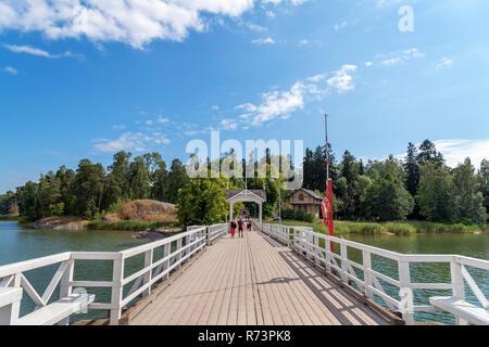 The bridge across to Seurasaari Open-Air Museum, Seurasaari, Helsinki, Finland. - Stock Photo