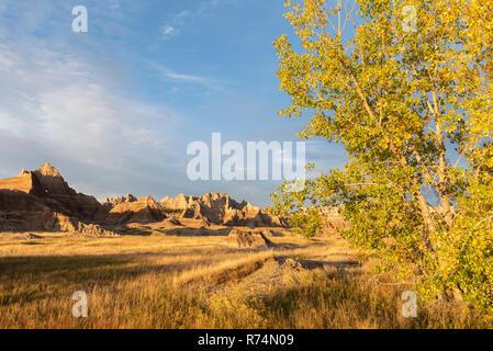 Ridges at sunset near Cedar Pass Lodge. Badlands NP, S. Dakota, USA, October, by Dominique Braud/Dembinsky Photo Assoc - Stock Photo
