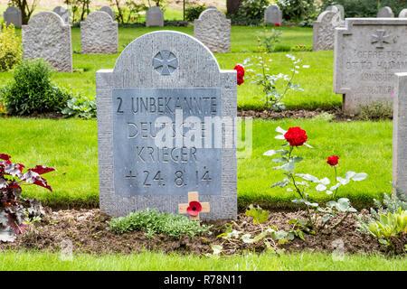 St. Symphorien Military Cemetery, German and British war graves from the First World War, Battle of Mons, Saint-Symphorien - Stock Photo
