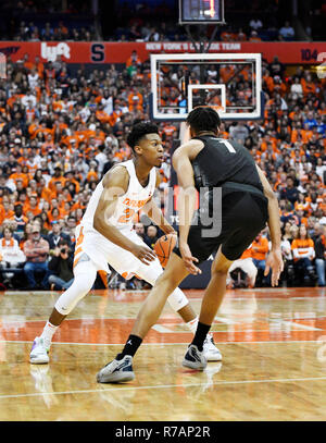 Syracuse, NY, USA. 8th Dec, 2018. Syracuse junior guard Tyus Battle (25) during the first half of play as the Syracuse Orange defeated the Georgetown Hoyas 72-71 at the Carrier Dome in Syracuse, NY. Photo by Alan Schwartz/Cal Sport Media/Alamy Live News - Stock Photo