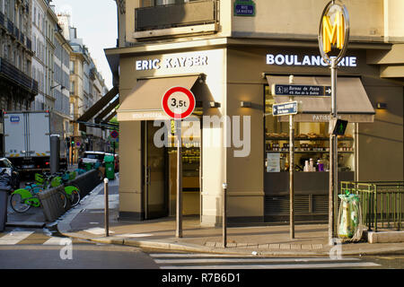 PARIS, FRANCE - MAY 26, 2018: Bakery shop at the corner of the building. Central city streets - Stock Photo