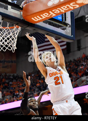 Syracuse, NY, USA. 8th Dec, 2018. Syracuse sophomore forward Marek Dolezaj (21) during the first half of play as the Syracuse Orange defeated the Georgetown Hoyas 72-71 at the Carrier Dome in Syracuse, NY. Photo by Alan Schwartz/Cal Sport Media/Alamy Live News - Stock Photo