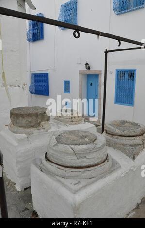 Tunesia: water-supply in Sidi Bou Said - Stock Photo