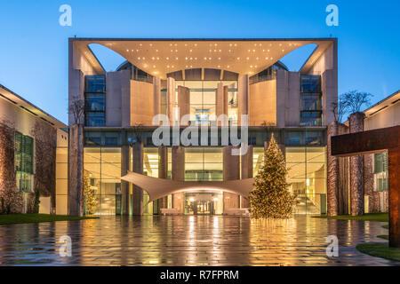 christmas tree in front of Kanzleramt, Berlin, Tiergarten - Stock Photo