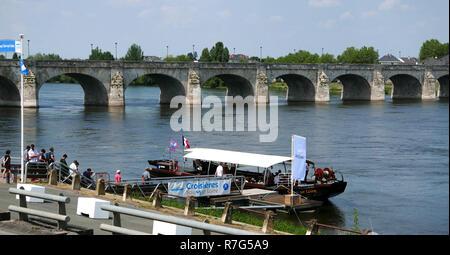 Cruise on the Loire river, Saumur, Maine-et-Loire, Centre-Val de Loire, Pays de Loire, France; Europe - Stock Photo