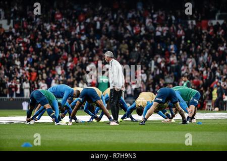 Santiago Bernabeu, Madrid, Spain. 9th Dec, 2018. Copa Libertadores final, second leg, River Plate versus Boca Juniors; Pre-match warm-up Credit: Action Plus Sports/Alamy Live News - Stock Photo