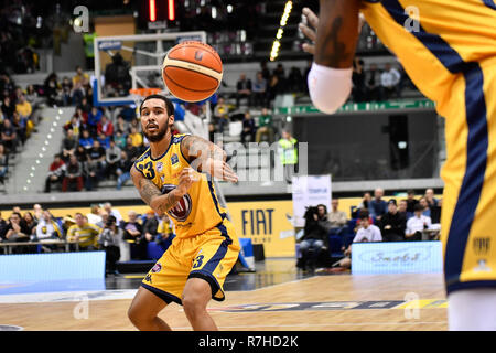 Turin, Italy. 8th Dec 2018. Dallas Moore (Auxilium Fiat Torino) during the LEGA BASKET SERIE A 2018/19 basketball match between FIAT AUXILIUM TORINO vs DOLOMITI TRENTO at PalaVela on 8th Dicember, 2018 in Turin, Italy. Credit: FABIO PETROSINO/Alamy Live News - Stock Photo